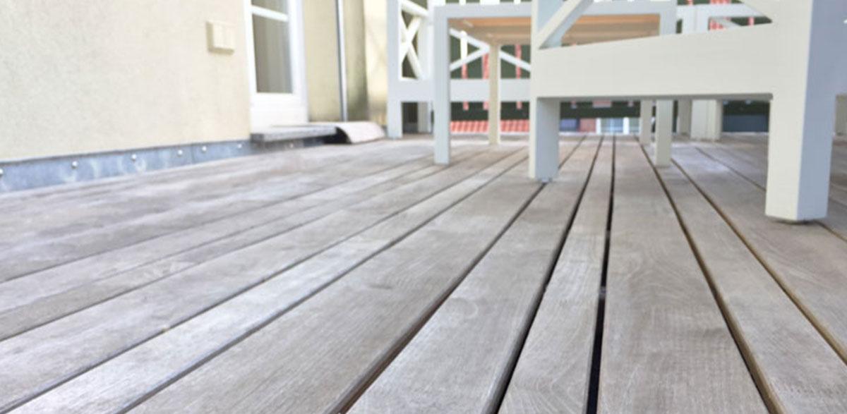 Bungalow Terrasse aus Robinienholz